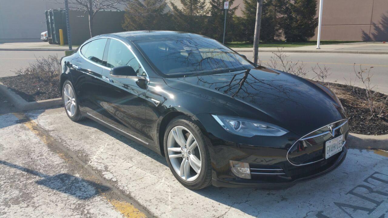 Tesla S85D exteriour