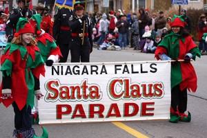 santa_claus_parades_niagara_weinkeller_niagarafalls