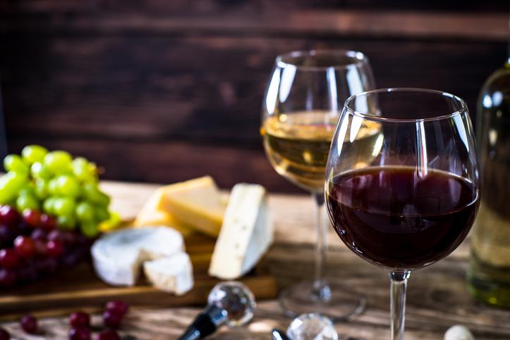 Wine & Cheeses